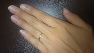 【Cadensia bridal(カデンシアブライダル)の口コミ】 普段つけるものなので派手過ぎず、家事などに支障がでないシンプルな指輪を…