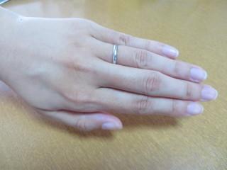 【ICHAROI(イサロイ)の口コミ】 はじめはダイヤが付いた指輪も検討していましたが、仕事中にも着けることと…