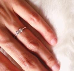 【ORECCHIO(オレッキオ)の口コミ】 ラウンドブリリアントカットの婚約指輪も試着してみたのですが、あまり手…
