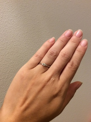 【4℃(ヨンドシー)の口コミ】 自分の手が小さめで指も短いので、小ぶりで華奢なデザインのものを探してい…