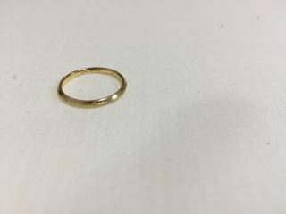 【Jupiter BLANTELIE(ジュピターブラントリエ)の口コミ】 指が太いため、細めのリングに決めました。また、はだの色も白いほうでは…
