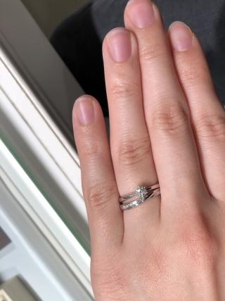 【ジュエリーツツミ(JEWELRY TSUTSUMI)の口コミ】 婚約指輪と結婚指輪はもともとセットのものではなく、それぞれ気に入った…