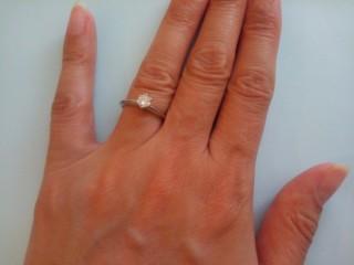 【ティファニー(Tiffany & Co.)の口コミ】 いかにも婚約指輪!という感じの立石の指輪が欲しかったのでこれにしまし…