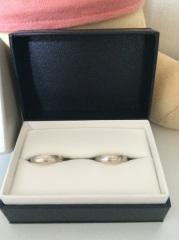【ミルフローラ(Milluflora)の口コミ】 この指輪はお店で見て一目惚れで決めました。大好きなピンクゴールドが少し…