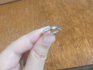 【PILOT BRIDAL(パイロットブライダル)の口コミ】 結婚指輪を選ぶにあたって他のブランドの指輪もいくつかつけましたが、圧…