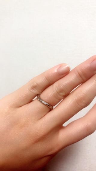 【festaria bijou SOPHIA(フェスタリア ビジュソフィア)の口コミ】 毎日つける結婚指輪だったので、目立ちすぎず派手過ぎない、でも毎日見て…