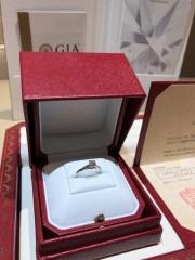 【カルティエ(Cartier)の口コミ】 旦那さんが一人で指輪を決める自信がなく2人で選びに行きました。婚約指…