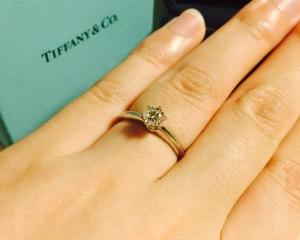 【ティファニー(Tiffany & Co.)の口コミ】 マリッジリングはエタニティタイプが良かったので、エンゲージリングはそ…