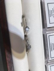 【杢目金屋(もくめがねや)の口コミ】 サクラダイヤモンドという、特殊カットのダイヤモンドを雑誌でみて一目惚…