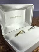 【mina.jewelry(ミナジュエリー)の口コミ】 他のブランドや既製品も見て回りましたが、お互いが一緒に気に入るものが…