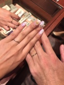 【ケイウノ ブライダル(K.UNO BRIDAL)の口コミ】 ディズニーのプリンセスシリーズの結婚指輪を試着しました。 既製品ではあ…
