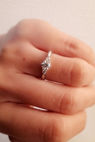 【ジュエリーツツミ(JEWELRY TSUTSUMI)の口コミ】 全体的に手が小さく指が短いので、指輪が似合わないことを気にしていたの…
