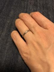 【カルティエ(Cartier)の口コミ】 石なしのシンプルで1番細いプラチナが希望でした。薬指が細く、ピンキーリ…