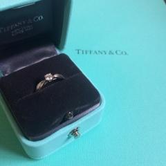 【ティファニー(Tiffany & Co.)の口コミ】 婚約指輪といえばTiffany!王道の形! 流行りものではなく、おばあちゃん…