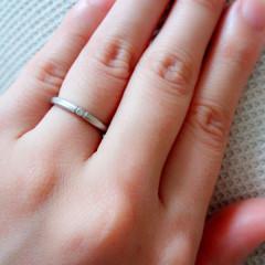【アイプリモ(I-PRIMO)の口コミ】 シンプルなデザインで、華奢な指輪を探していたのでこちらの指輪にほぼ即決…