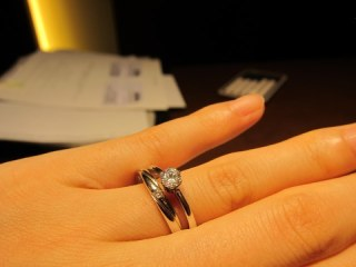 【4℃(ヨンドシー)の口コミ】 シンプルでなおかつダイヤにこだわりたくて妥協したくなかったのでこの指輪…