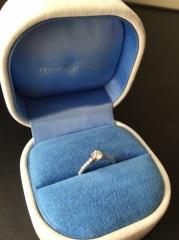 【銀座ダイヤモンドシライシの口コミ】 細身のリングとダイヤがまわりについてるエタニティタイプだったところ、…