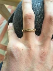 【俄(にわか)の口コミ】 二人とも和のイメージを連想する指輪を探していたところに雑誌で見かけて、…