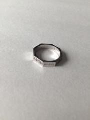 【グッチ(GUCCI)の口コミ】 結婚指輪を探していた時、友人が勤めているエルサカエさんに行きました。ち…