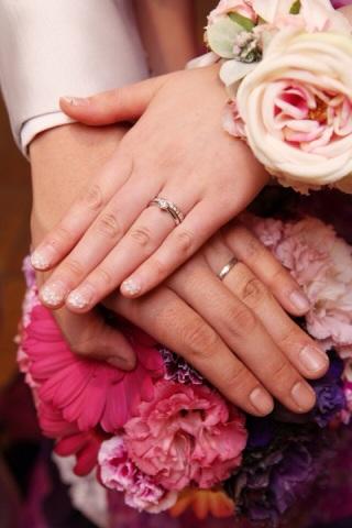 【Curren(カレン)の口コミ】 結婚指輪をハーフエタニティにして重ねづけしたかったので、婚約指輪はデザ…