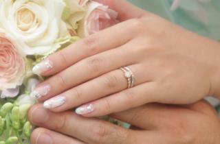 【ENUOVE(イノーヴェ)の口コミ】 どうしても婚約指輪です!というデザインは嫌だったのでカジュアルなもの…