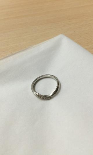 【俄(にわか)の口コミ】 指輪を選ぶにあたり、重要視していたのは《派手すぎない、地味でもない》…