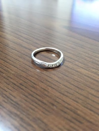 【ラザール ダイヤモンド(LAZARE DIAMOND)の口コミ】 元々、結婚指輪を購入するにあたり本命のお店は別にあったのですが、ダイヤ…
