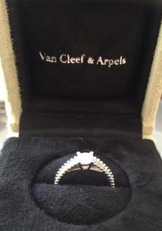 【ヴァン クリーフ&アーペル(Van Cleef & Arpels)の口コミ】 一生に一度なのでソリティアリングの婚約指輪を探していました。プラチナで…