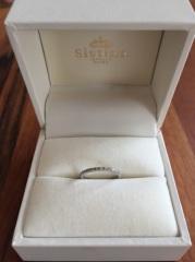 【システィーナGINZAの口コミ】 他店のリングと悩んだのですが 婚約指輪をこのショップでオーダで作って頂…