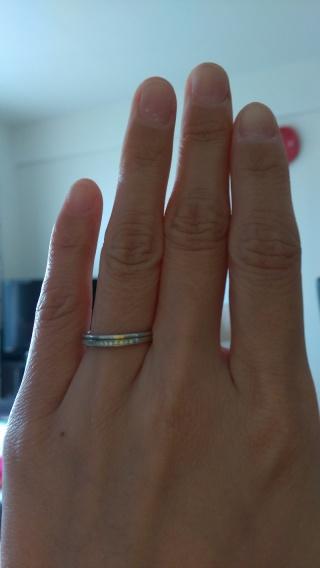 【First Intention(ファーストインテンション)の口コミ】 ダイヤ入りの指輪が希望で、色々と見た結果、この指輪のデザインが一番気…