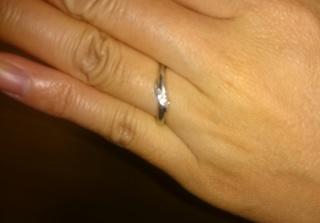 【Galopine & Galopin(ガロピーネガロパン)の口コミ】 指輪わ、とにかく迷ったのですが、婚約指輪のダイヤを少し大きめにしたた…
