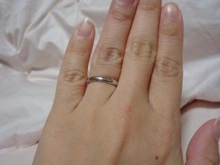 【ティファニー(Tiffany & Co.)の口コミ】 私の希望がストレートラインだったのでこの指輪にしました。 シンプルなの…