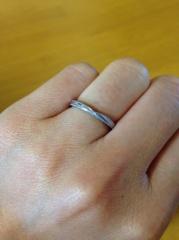【VANillA(ヴァニラ)の口コミ】 私の指輪はVANillAでのフルオーダーです。婚約指輪との重ねづけをしたい、…