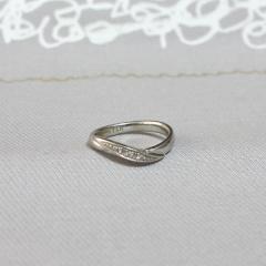 【ラザール ダイヤモンド(LAZARE DIAMOND)の口コミ】 指輪を付けっぱなしにしておきたかったので、家事などにも邪魔にならず普段…