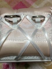 【DEAREST(ディアレスト)の口コミ】 プラチナのペアで25万円以下のリングを探していたところ店員さんにサンプ…