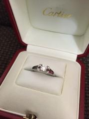 【カルティエ(Cartier)の口コミ】 婚約指輪を買いに行く前にどんな指輪があるか調べていて、このデザインが…