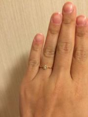 【BLOOM(ブルーム)の口コミ】 あまり派手すぎず、シンプルなもので探していました。結婚指輪がシルバーな…