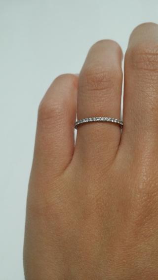 【スタージュエリー(STAR JEWELRY)の口コミ】 お店に行くまではシンプルな指輪をと思い探していましたが銀座店の店員さ…