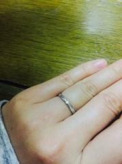 【エクセルコダイヤモンド(EXELCO DIAMOND)の口コミ】 普通のリングは嫌で、細すぎるのも嫌だったので、何軒か探していたところ、…