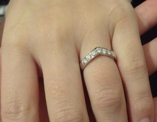 【ティファニー(Tiffany & Co.)の口コミ】 憧れのティファニー!ということと、指が太めなのでVできれいに見えるとい…