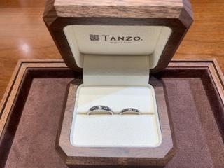 【TANZO(タンゾウ)の口コミ】 頑丈で綺麗な印象を受けかつ、丁寧な接客姿勢に心打たれたため。 指輪は鍛…