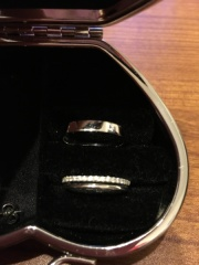 【Une Mariage(アンマリアージュ)の口コミ】 キラキラしていて、少し変わったデザインの指輪が欲しくて、いろいろ見てま…