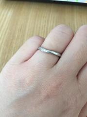 【4℃(ヨンドシー)の口コミ】 検討している時からずっと4℃の指輪がいいと思っていて、お店に見に行きま…