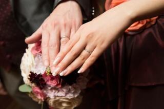 【アイプリモ(I-PRIMO)の口コミ】 シンプルなデザインの指輪を探していました。 この指輪はシンプルだけど小…