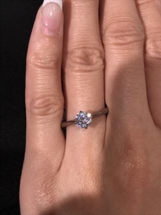 【BIJOUPIKO(ビジュピコ)の口コミ】 シンプルなダイヤモンド一石タイプのリングです。爪の高さは高すぎず低す…