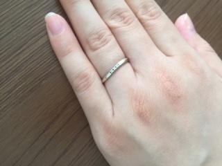 【4℃(ヨンドシー)の口コミ】 シンプルなデザインが良かったがダイヤがついているのを選びたかったのでこ…