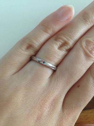 【FIRST DIAMOND(ファーストダイヤモンド)の口コミ】 全てオーダーメイドで作れるところが決め手で購入しました。 幅の細い、一…