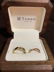 【TANZO(タンゾウ)の口コミ】 指輪の色と太さにこだわりました。 側面にはスターダストというデザインを…