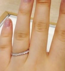 【スタージュエリー(STAR JEWELRY)の口コミ】 最初は少しサイズが大きいのですごく悩んだのですが 自分がつけたい指輪が…