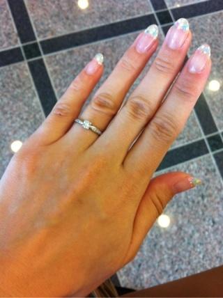 【ティファニー(Tiffany & Co.)の口コミ】 刻印も小さくですが入れられたのが満足でした。 そして真ん中にあるダイヤ…